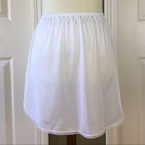 Vassarette Half Slip White Lace Trim Size Small